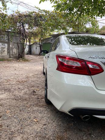 Продам Nissan Altima 2017г! 14300$! Пробег 40 т км!от хозяина