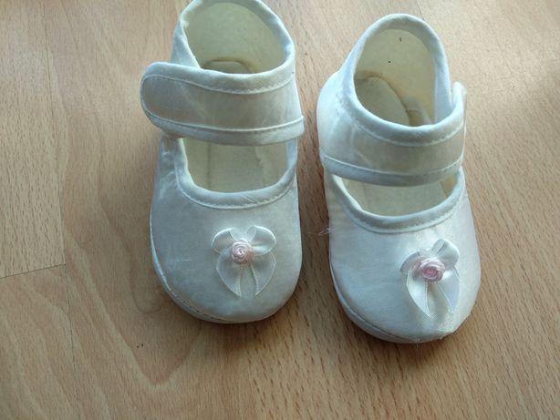 Buciki biale niechodki do chrztu 12,5 cm