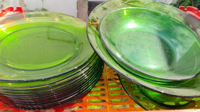 Conjunto de pratos Vintage