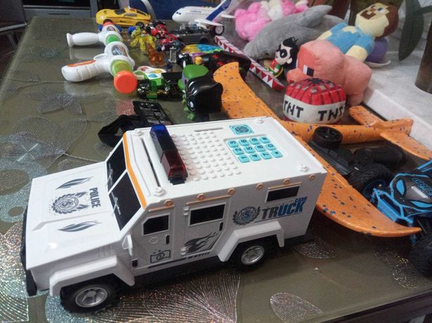 лот бу іграшки хлопчика машинки копилка-сейф пульт майнкрафт