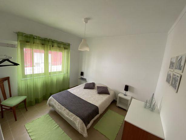 Apartamento T1 Equipado & mobilado perto Praia da Areia Branca