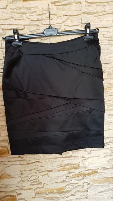 Czarna spódnica Carry M r. 40