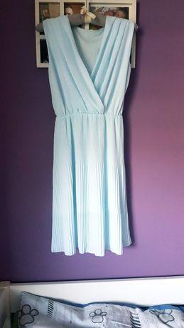 Błękitna sukieneczka