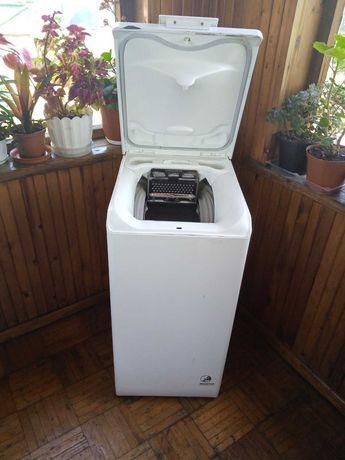 Продам стиральную машинку вертикальной загрузки!