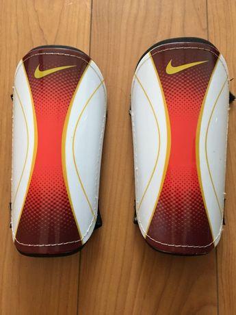 Caneleiras Nike