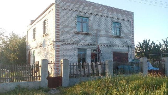 продаю 2х этажный кирпичный дом 7 кв 1 поселок Заподный г Очаков