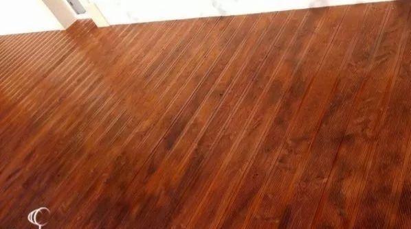 Deska tarasowa tarasówka modrzewiowa ryflowana taras podłoga modrzew