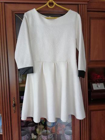 Sukienka M/L na każdą okazję