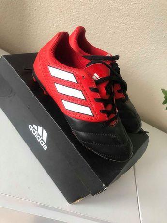 buty sportowe adidas korki dla chłopca