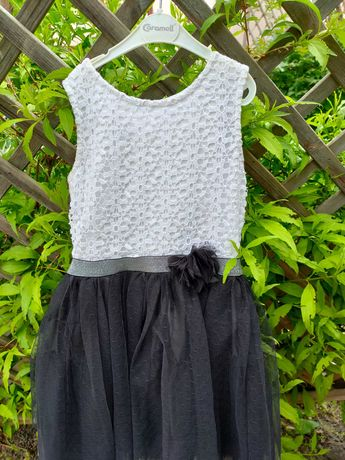 Шикарное праздничное платье для школьницы на рост 122-128см