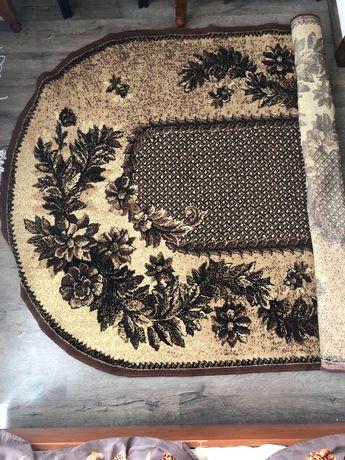 Ковёр комнатный ( бежево-коричневый)