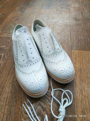 Туфли кожа белые Оксфорды новые