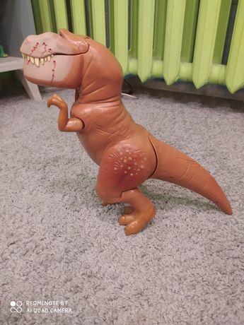 """Ogromny dinozaur chodzi dzwieki  """"Dobry Dinozaur"""" Butch"""