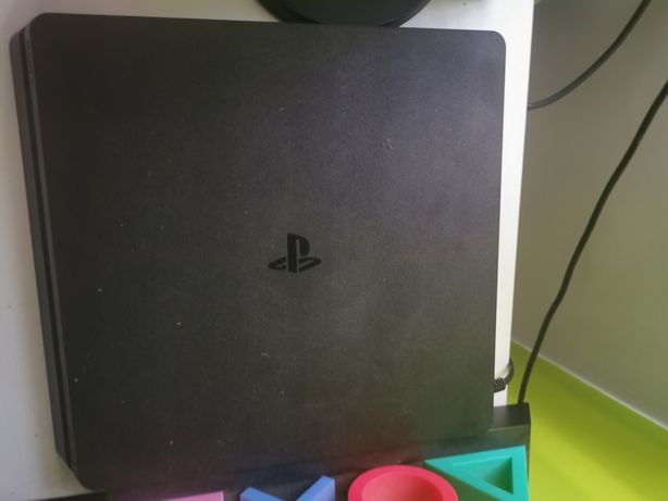 Ps4 slim + 3 gry