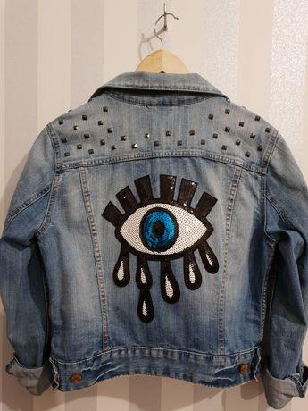 Kurtka jeansowa z aplikacją Oko, handmade