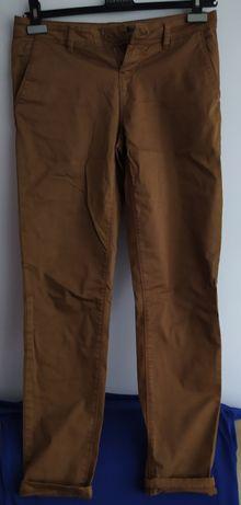 Brązowe spodnie damskie