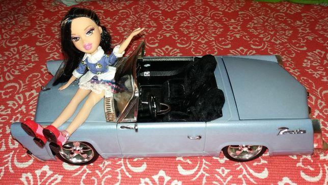 Carro descapotável das bonecas Bratz com rádio integrado