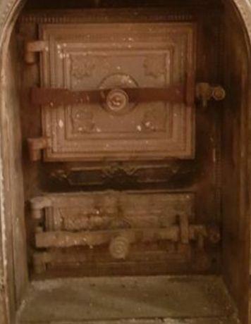 Zabytkowe drzwi. Piec Kaflowy/Grill/ Wędzarnia