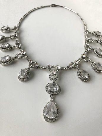 Ожерелье украшение, колье бижутерия.