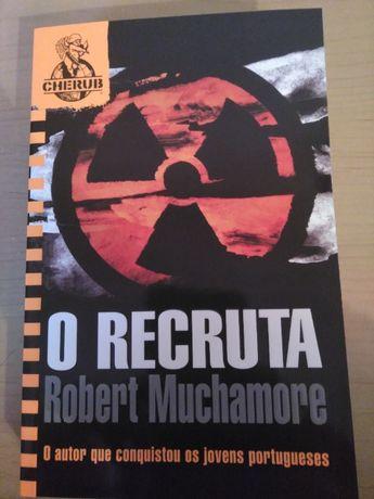 """""""O Recruta"""" de Robert Muchamore"""