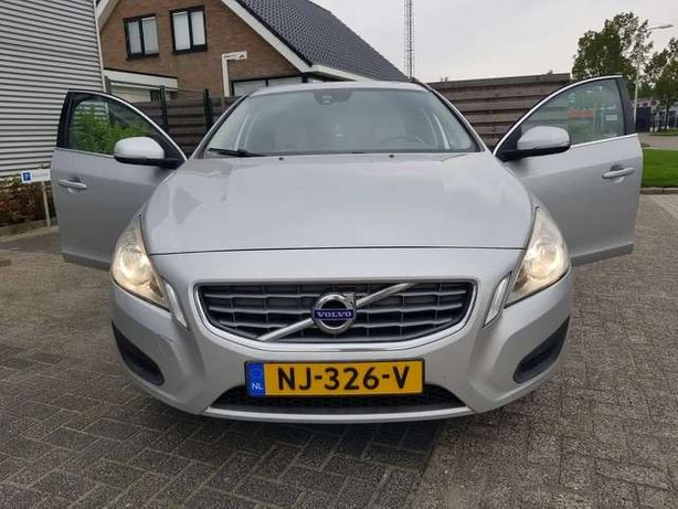 Volvo V60 1.6 дизель