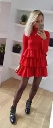 Vestido PRETO com folhos (TU-equivale a M)