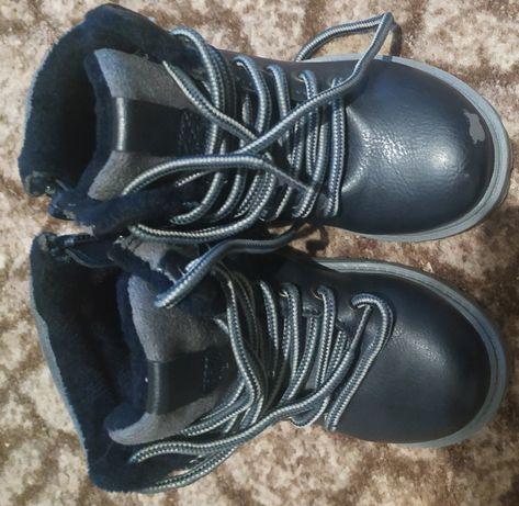 Ботинки 25размер