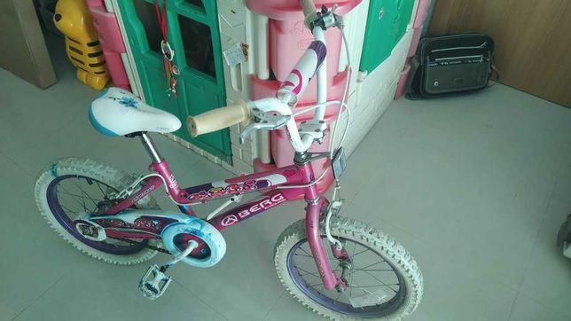 Bicicleta de criança Berg (p/ menina)