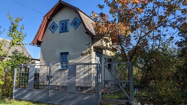 Земельна ділянка / Дачний будинок