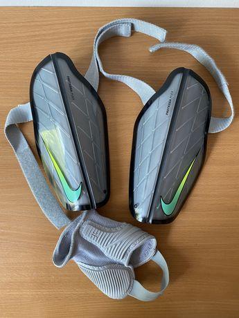 Ochraniacze Nike Protegga Flex XL