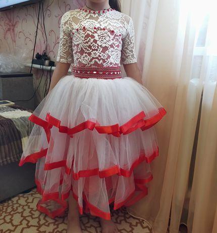Детское нарядное платье. Очень красивое. Выпускной/красная шапочка.