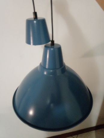 Candeeiro azul usado