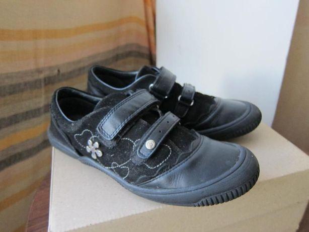 Продам туфли Bartek 36 р.