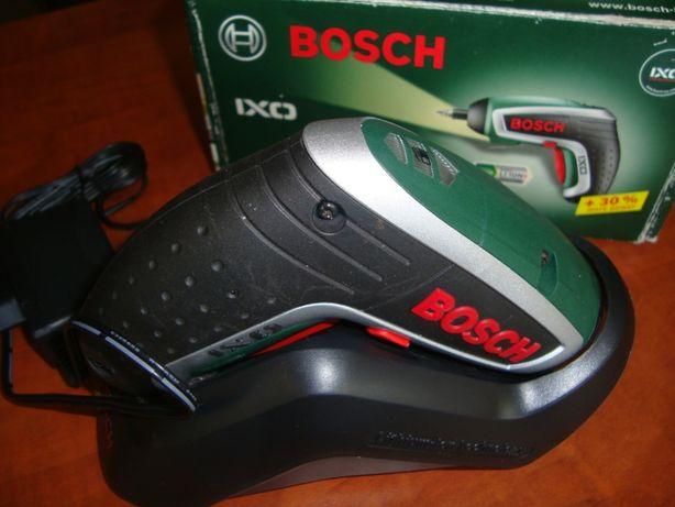 Аккумуляторная отвертка Bosch IXO- новая в упаковке- код 0603981щщк