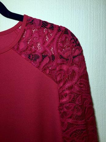 Плаття з кружевними рукавами