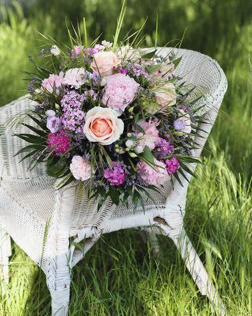 Bukiety, kwiaty z dowozem na dzień kobiet!