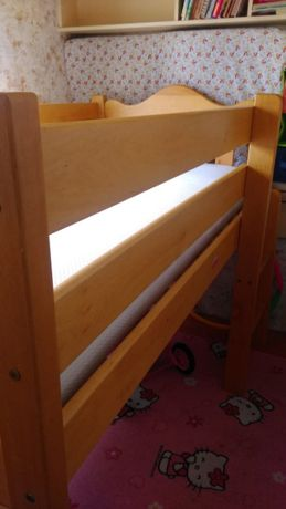 łóżko drewniane z antresolą 160 x 80 + materac