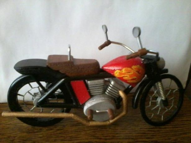 Ozdoby ręcznie robione - motorek z drewna