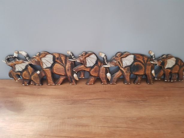 Drewniane słonie do zawieszenia