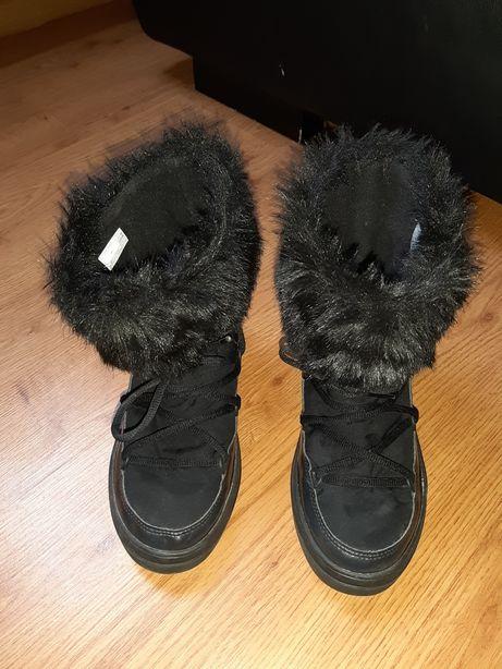 Śniegowce Crocs W6 36 Czarne Futerko