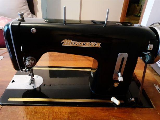 Терміново!!! Швейная машинка Minerva 124