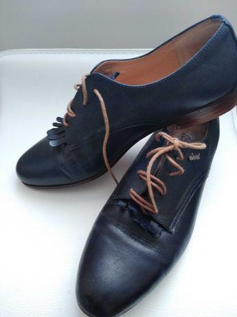 Sprzedam buty damskie skórzane