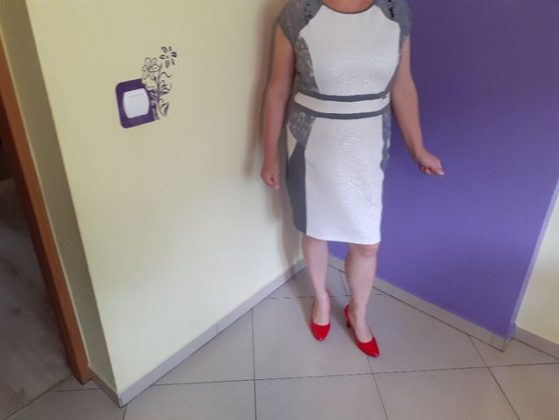 Sukienka biało- szara piękna rozmiar z metki 50 cudna .