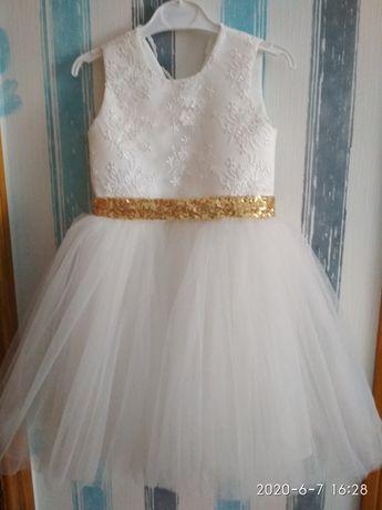 Нарядна сукня на 6років