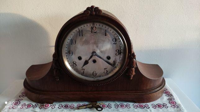 Zegar kominkowy kwadransowy Junghans