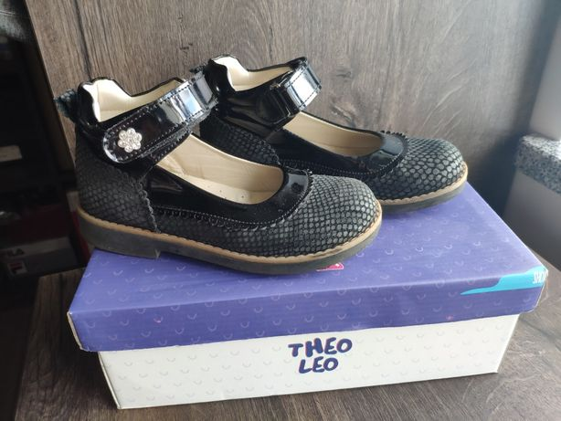 Туфли девочке Theo Leo