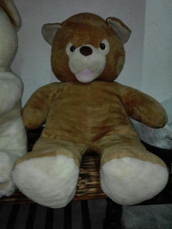 Urso gigante de peluche