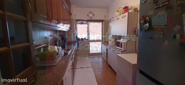 Apartamento T4 Venda em Tamengos, Aguim e Óis do Bairro,Anadia