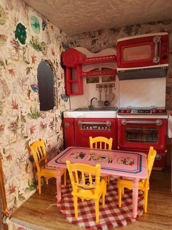 Кухня Барби, стол, стулья, посудомойка, печка со звуком, микроволновка