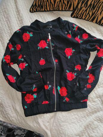 Nowa kurtka bomberka reserved 34 /36 czarna w róże